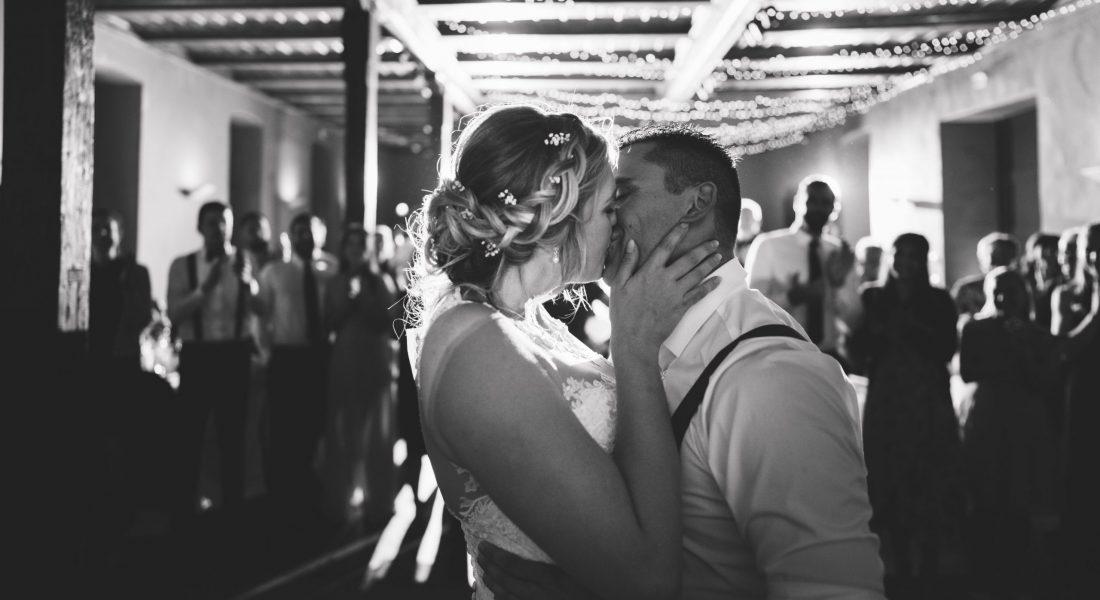 Auch der Hochzeitstanz kann mit unserer Hochzeitsplanerin Lisa Müller einstudiert werden. Ob in Berlin oder Brandenburg...sagt uns Bescheid!