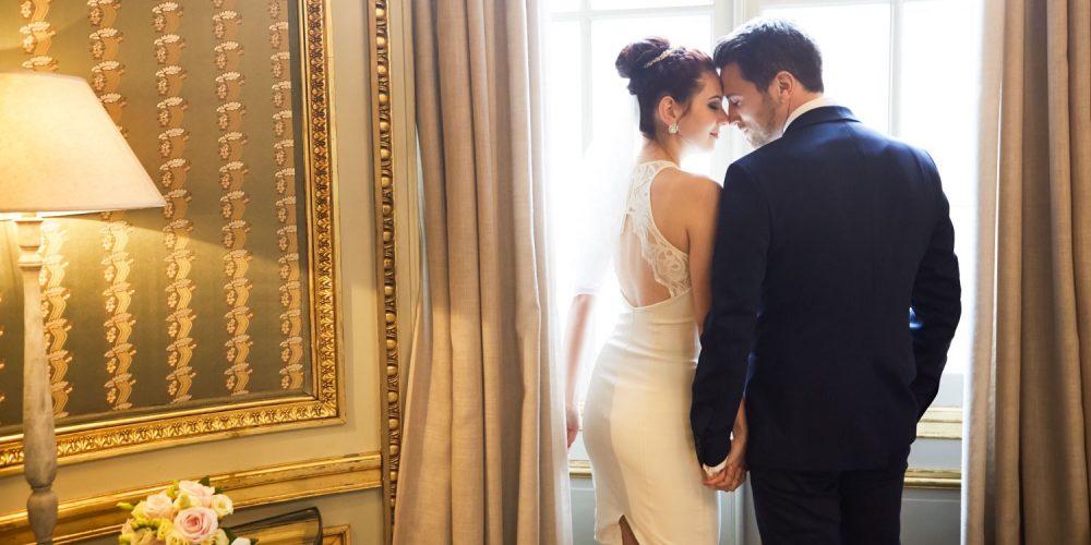 Auch eine Hotel-Hochzeit in Berlin kann wunderschön sein. Hier geplant und betreut von Hochzeitsplanerin Lisa aus Berlin!